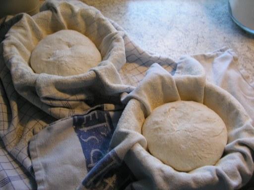 brød af surdej opskrift